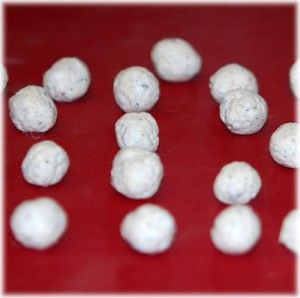 Roll paper mache dough into balls